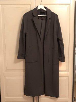 Grauer langer Mantel von New Look
