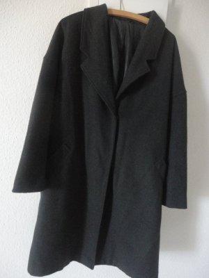 Grauer Mantel in Gr. 48