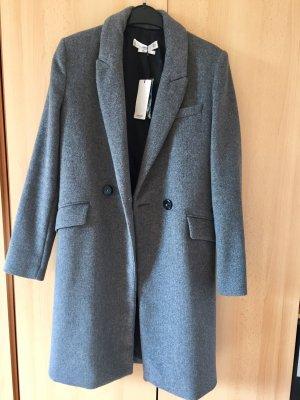 Grauer Mantel von Mango, neu mit Etikett