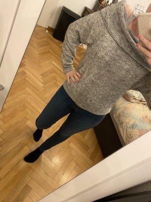 Grauer Off / On Shoulder Pullover