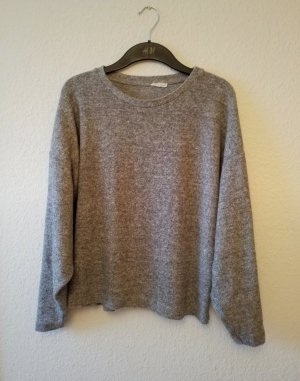 grauer Oversized Pullover.