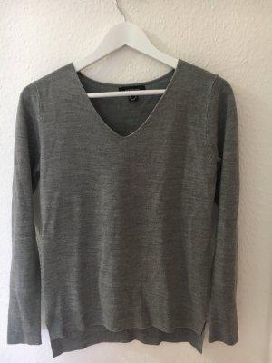 grauer Pullover in Gr. 36