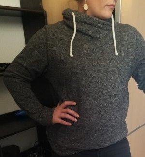 Grauer Pullover (L) von WE