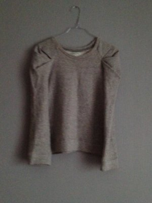 Grauer Pullover mit Verzierungen an den Schultern XS-S (M)