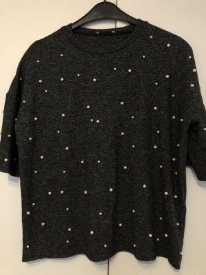Grauer Pullover oversize mit Perlen
