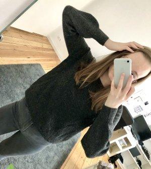 Grauer Pullover von Only in Größe XS/34 kuschelig warm