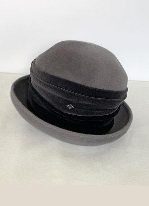 grauer Samthut mit dunkelgrauem Band, 56 cm Umgang