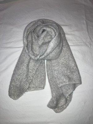 Sciarpa di lana grigio chiaro