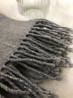 Gebreide sjaal grijs