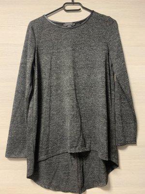 Grauer Sweatshirt