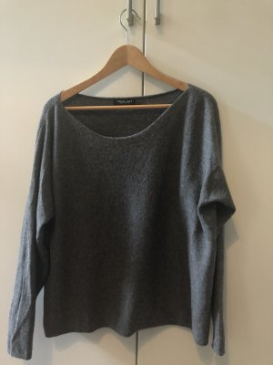 Grauer Twin-Set Pullover