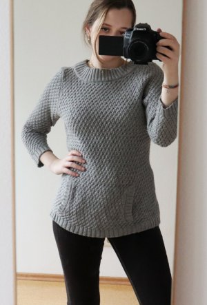 Vintage Cable Sweater grey