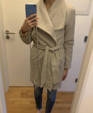 Grauer Wollmantel von MNG Suit