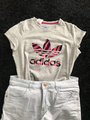 Graues Adidas T-Shirt mit Print in 164