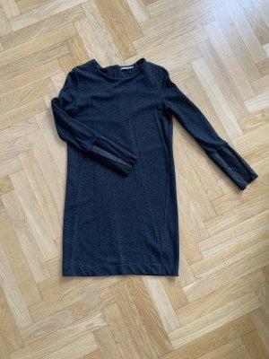 Graues Kleid mit Ledereinsatz von COS