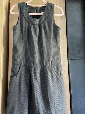 Graues Kleid mit Taschen