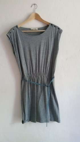 Graues Kleid von Sessun