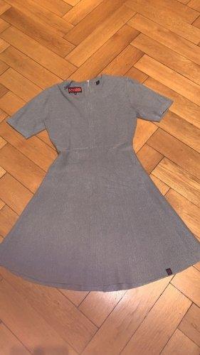 Graues Kleid von Superdry