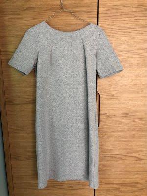 Graues kurzes Kleid