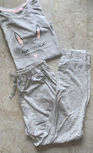 Graues Pyjama Set von Hunkemöller