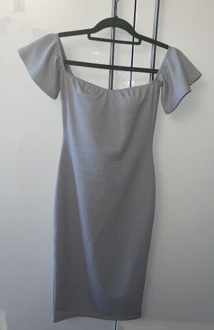 Graues Schulterfreies Kleid