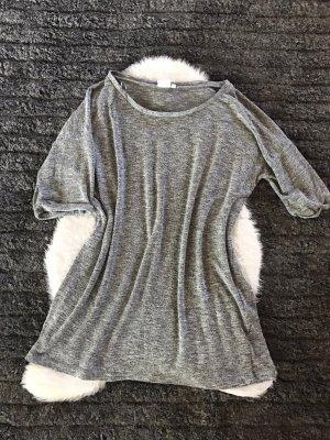Camisa de un solo hombro gris-gris claro