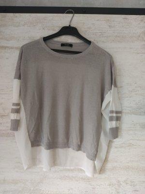 Graues Shirt mit Materialmix