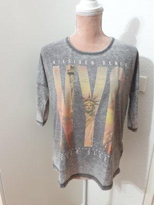 graues Shirt von Tommy Hilfiger
