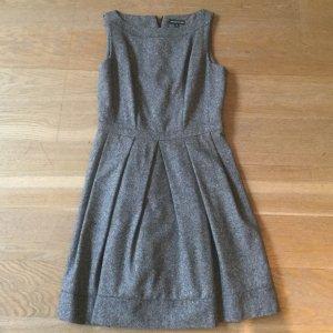 Graues Skaterkleid aus Wolle von Warehouse