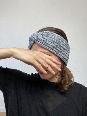 Graues Stirnband Twist