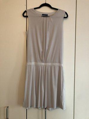 Graues Strenesse Kleid
