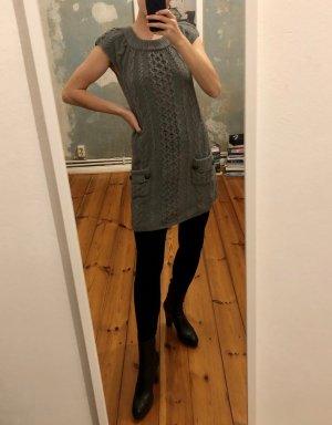 graues Strickkleid aus Wolle von Connemara