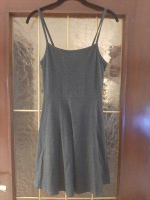 H&M Vestido de tela de sudadera gris oscuro