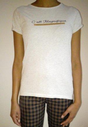 graues T-Shirt mit Schriftzug