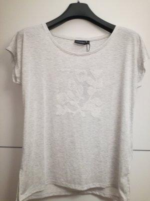 graues T-Shirt mit weißem Muster