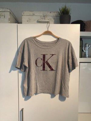 graues T-Shirt von Calvin Klein