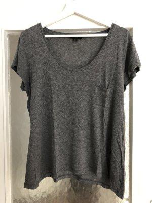 Graues T-Shirt von COS