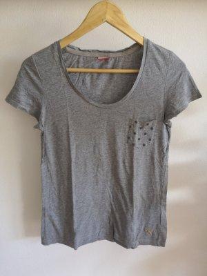 graues T-Shirt von Puma • Größe S/36