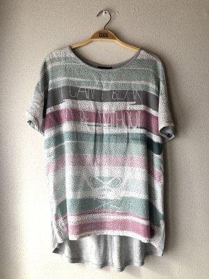 Graues Tshirt mit bunten Streifen