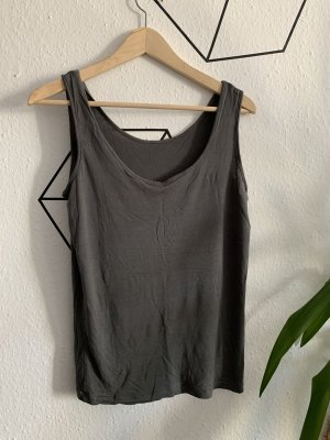 Graues Unterhemd