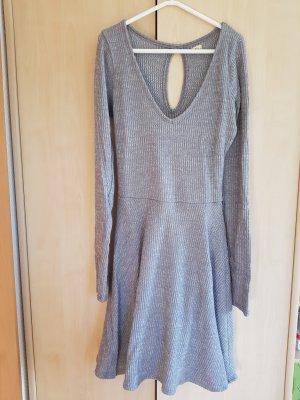 Graues, wärmeres Kleid von Hollister