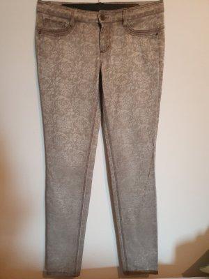graugemusterte Jeans