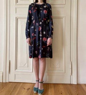 Graumann: Sommerliches Kleid mit Blumen