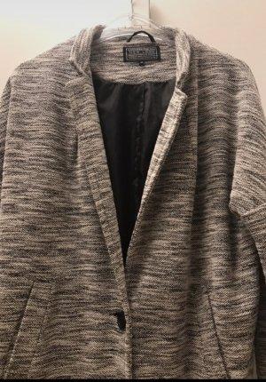 Graumelierter Mantel