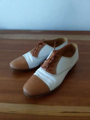 Wingtip Shoes white-cognac-coloured