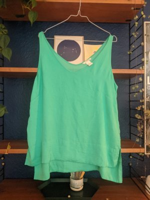 Green silk look trend top