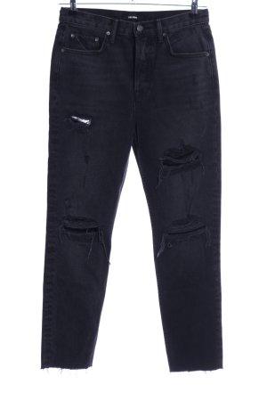 GRLFRND Straight-Leg Jeans schwarz Street-Fashion-Look