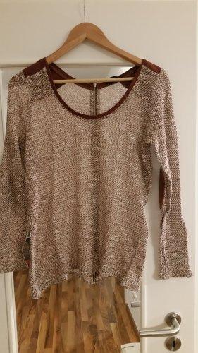 grob gestrickter dünner Pullover