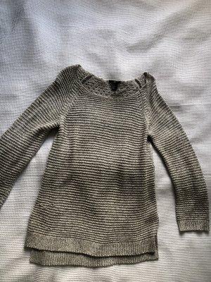 Grober Strickpullover mit Muster