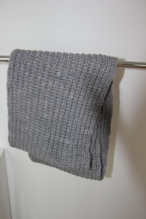 Abercrombie & Fitch Knitted Scarf light grey